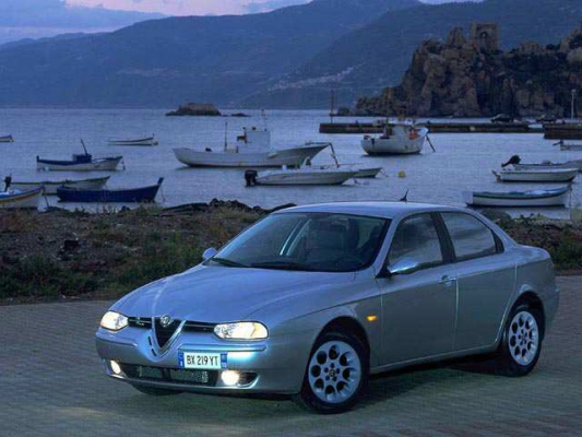"Alfa Romeo 156: темпераментная альтернатива ""немцам"""
