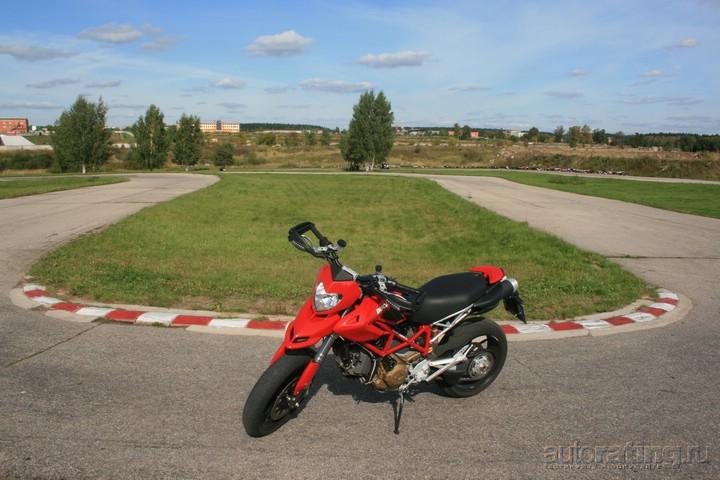 Ducati Hypermotard 1100: Осторожнее с легендами