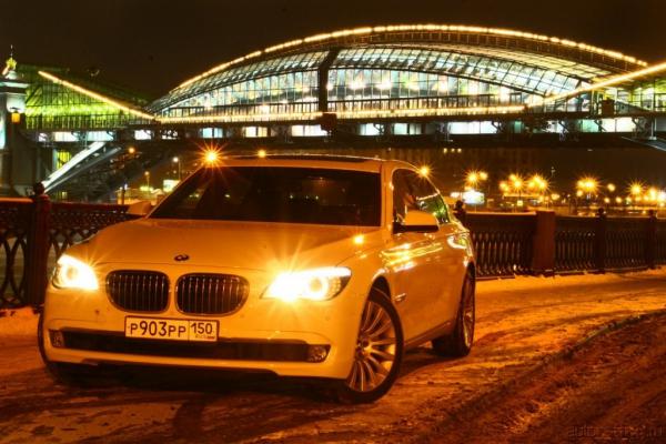BMW 7-й серии: игра по правилам. Время московское