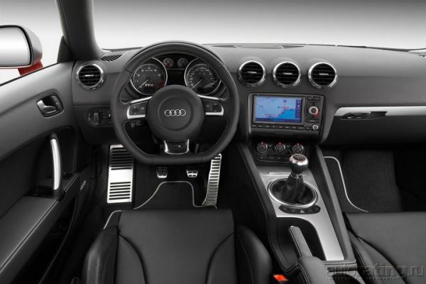Красавица и оружие / Тест-драйв Audi TTS
