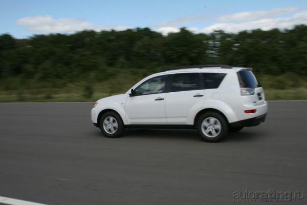 Резерв и запас / Тест-Драйв Mitsubishi Outlander XL