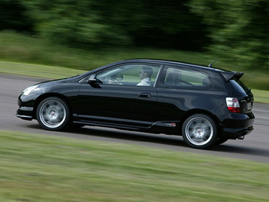 Искусство ближнего боя / Тест-драйв Honda Civic Type R