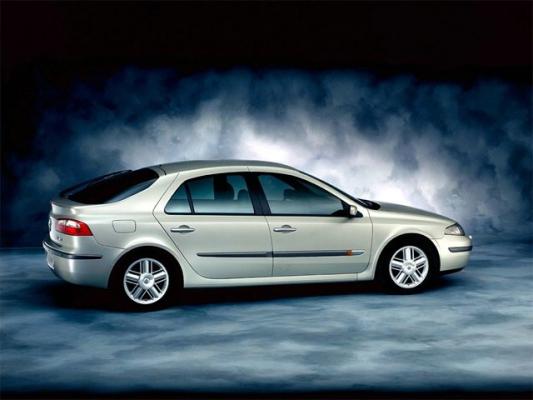 От авангарда к классике. Renault Laguna сменила имидж