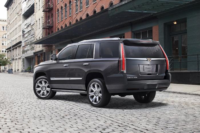На автомобильном рынке РФ стартовали продажи улучшенного кадилак Escalade