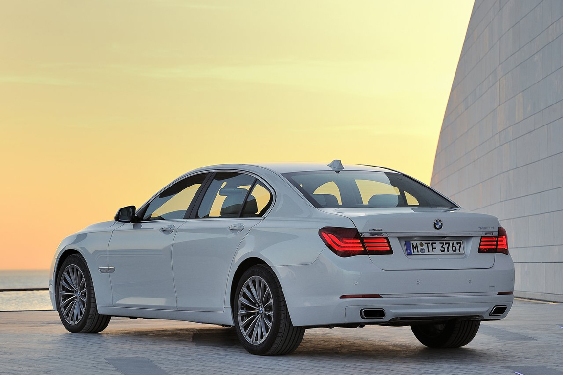 BMW-7-Series_2013_1280x960_wallpaper_21.jpg