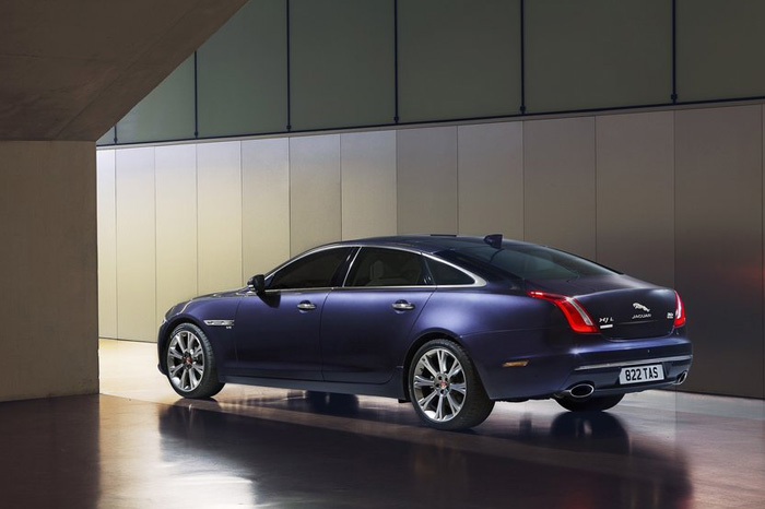 обновленный Jaguar XJ
