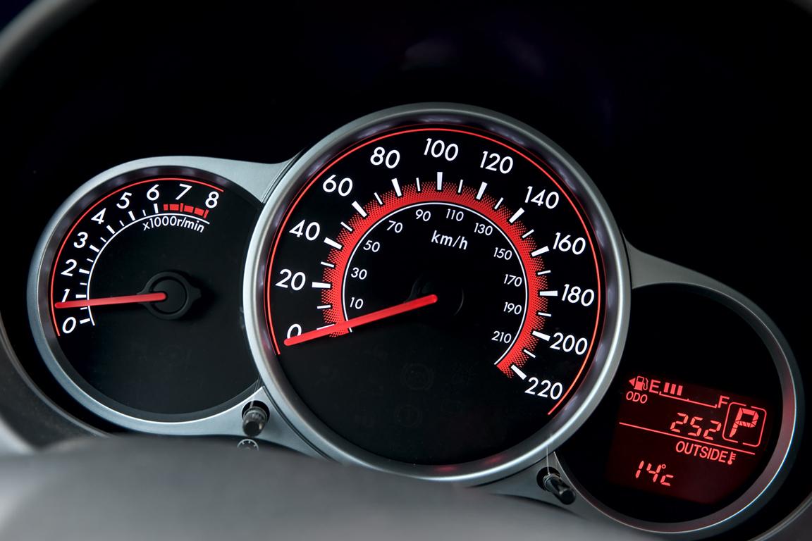 Mazda2_Flash_Edition_interior_009_ru_jpg72.jpg