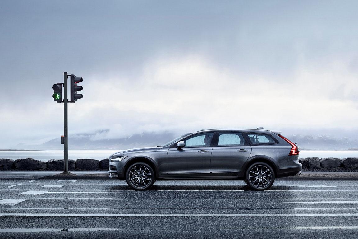 Volvo V90 Cross Country 2016 Вольво Кросс Кантри