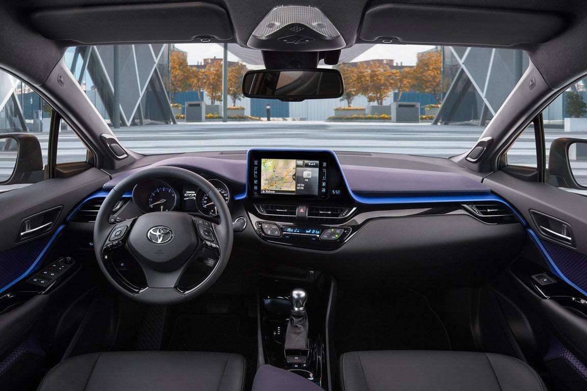 Toyota C-RH 2017 Салон