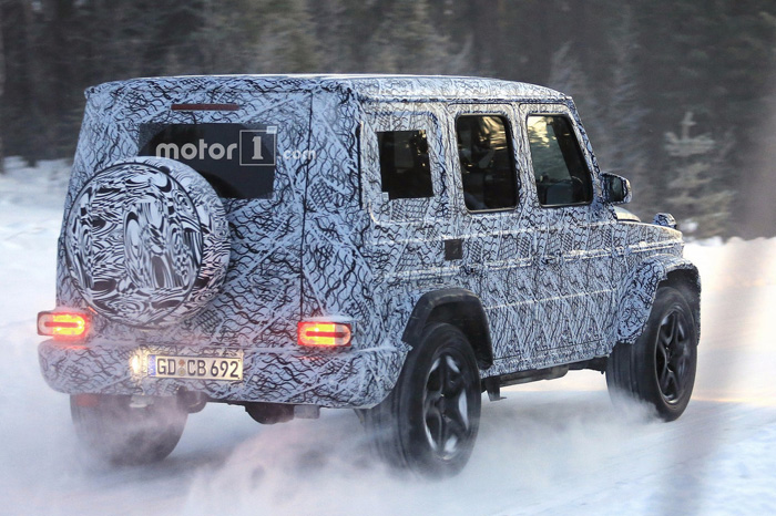 Benz вывел натесты заряженный G63 AMG
