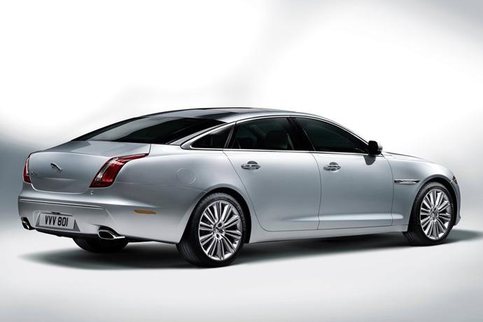 Текущее поколение Jaguar XJ