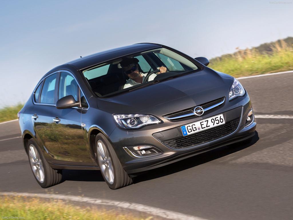 Opel-Astra_Sedan_2013_1600x1200_wallpaper_04.jpg