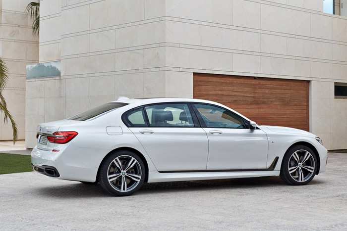 новый седан BMW 7-Series