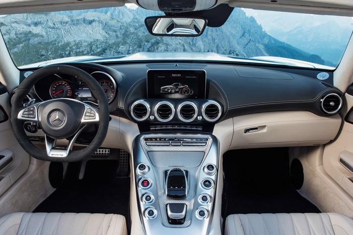 AMGGT Roadster будет стоить от8,8млнруб.