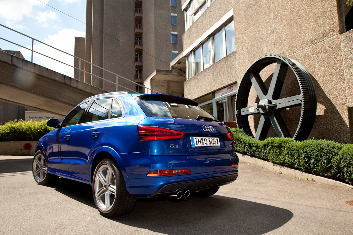 Audi-Q3-AutoRating-Ru_15.jpg