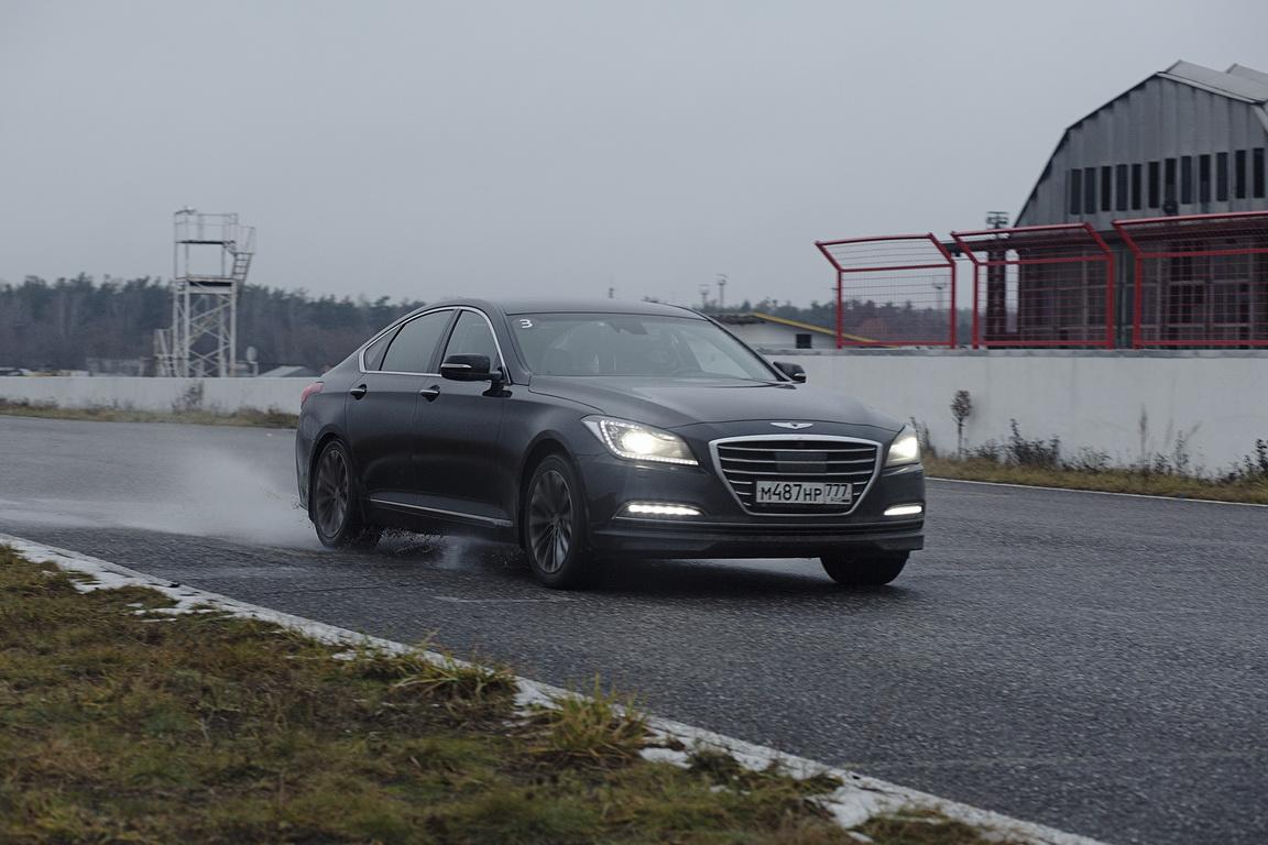 Hyundai Genesis: 4х4 на любой случай