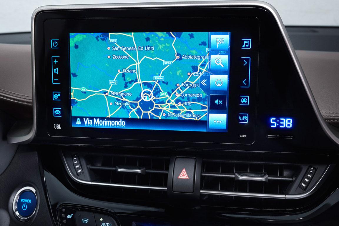 Toyota C-RH 2017 экран мультмедиа