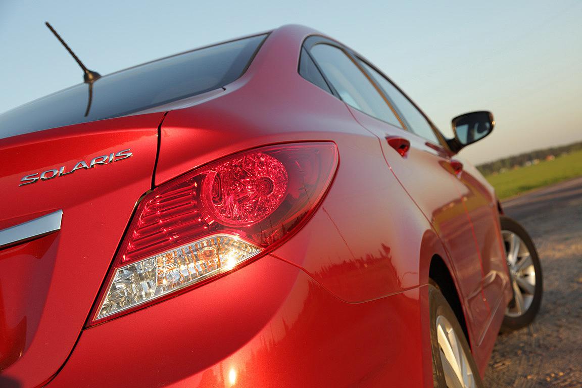 Renault Logan VS Hyundai Solaris: Гаврош против дракона