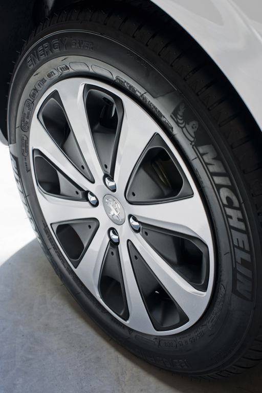 Peugeot 208: Последние весенние денечки