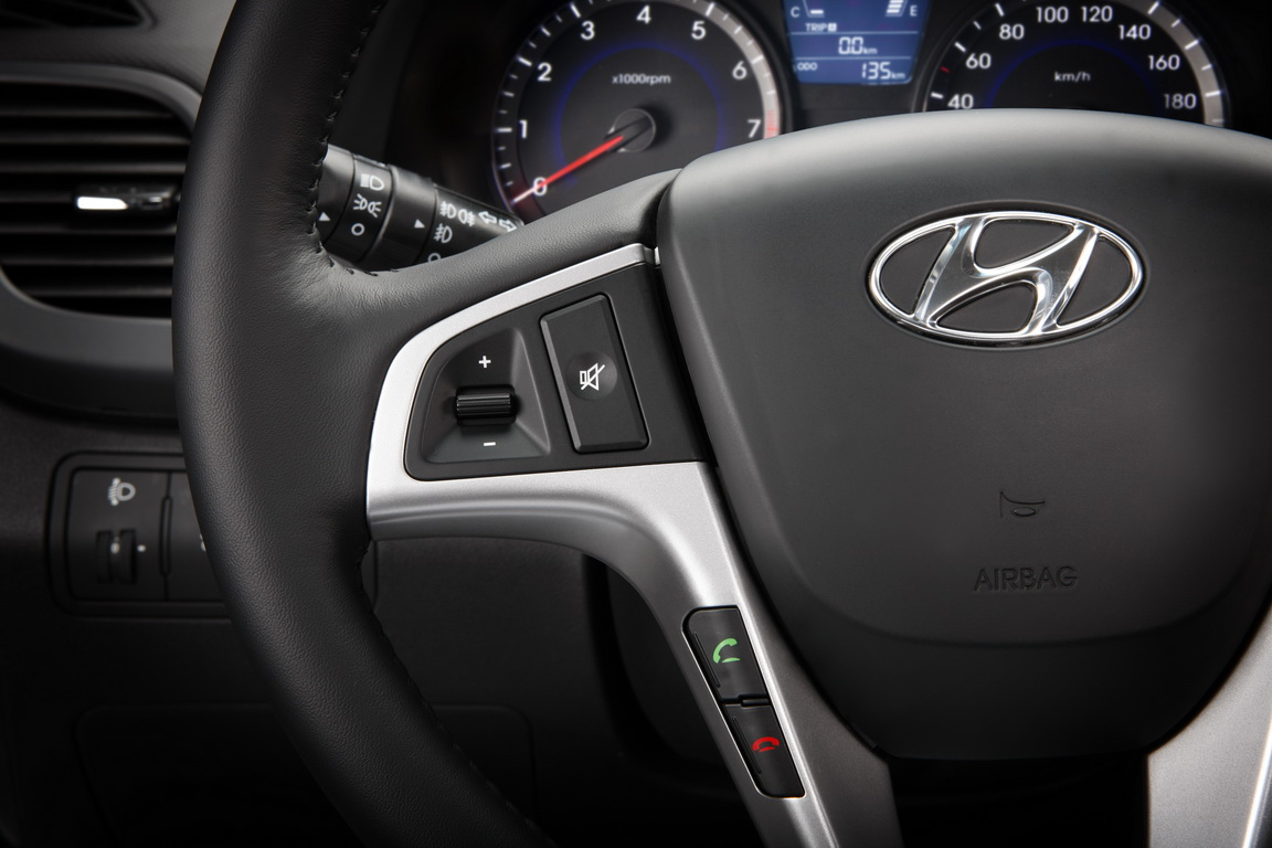 Актуальная соляристика: российская премьера Hyundai Solaris