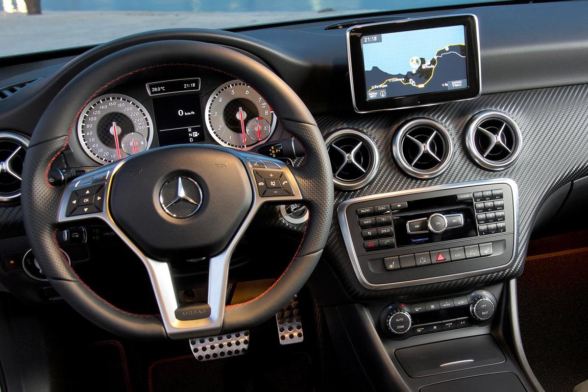 Merсedes-Benz A-Class: Первая буква премиума из Штутгарта