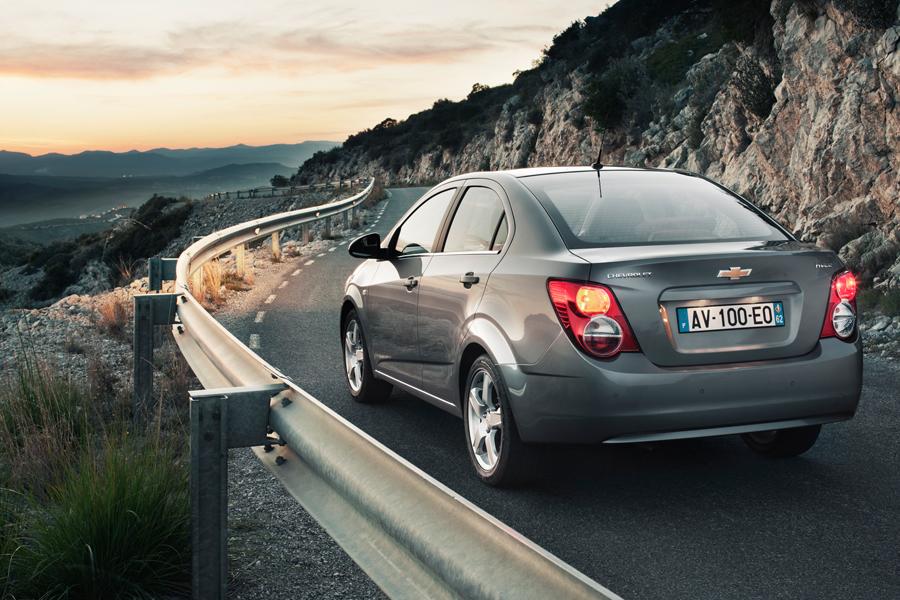 Chevrolet-Aveo-2011_31.jpg