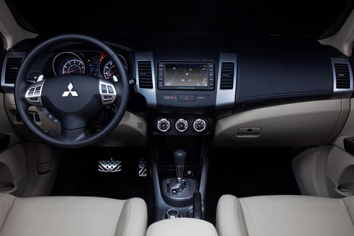 Mitsubishi-Outlander_24.jpg