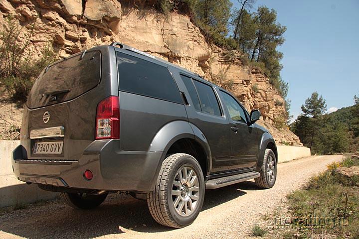 Тест Nissan Navara и Pathfinder: Массовый UpGrade