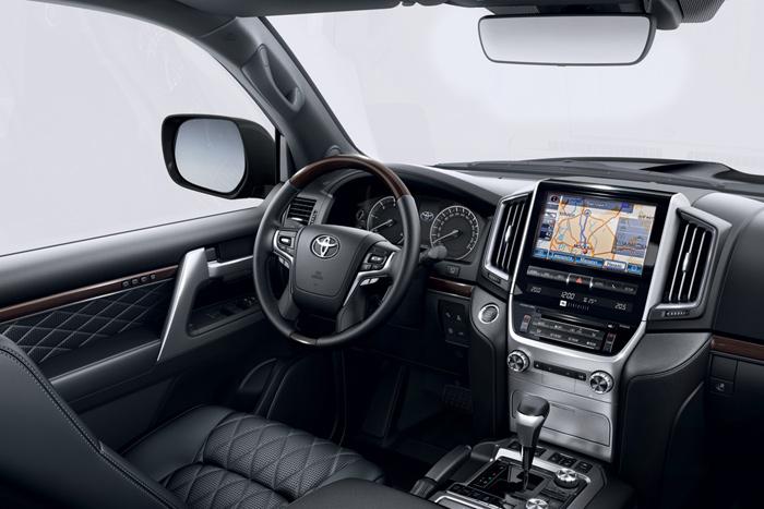 Toyota Land Cruiser 200 Excalibur