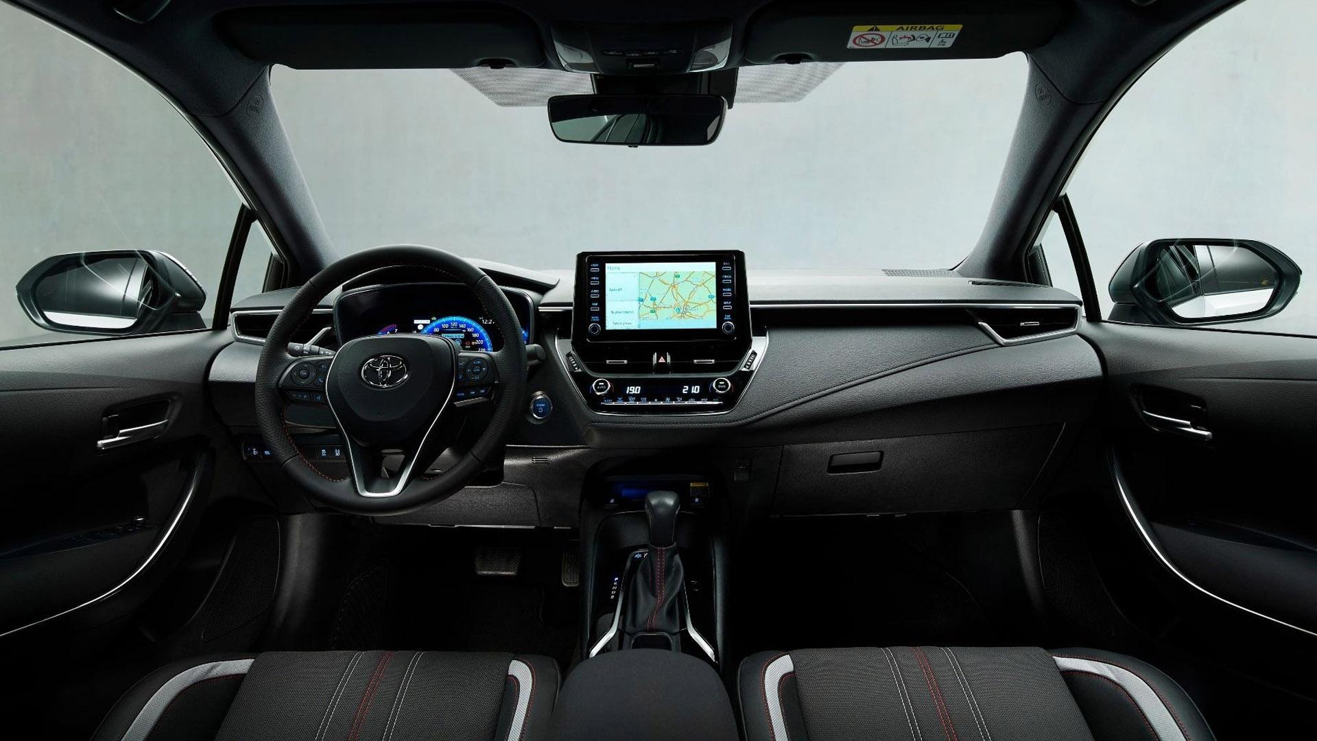 toyota Corolla GR Sport фото салона