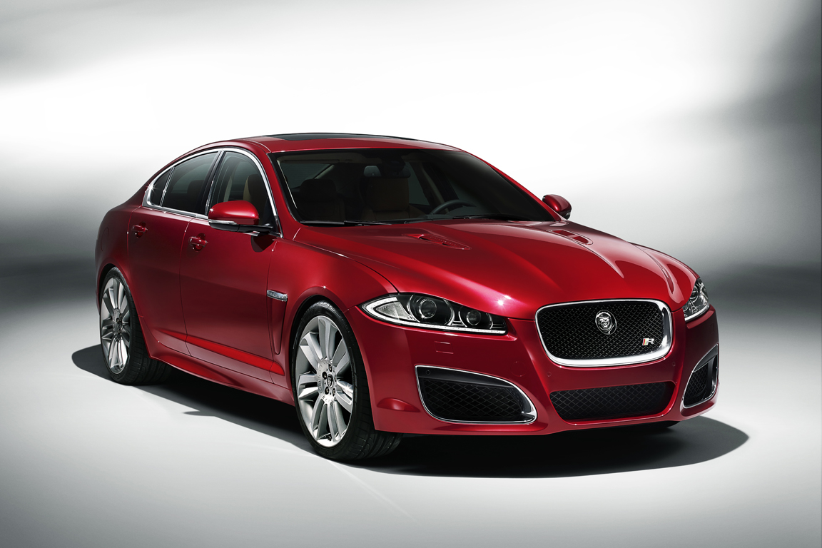 Jaguar XF: Современная классика