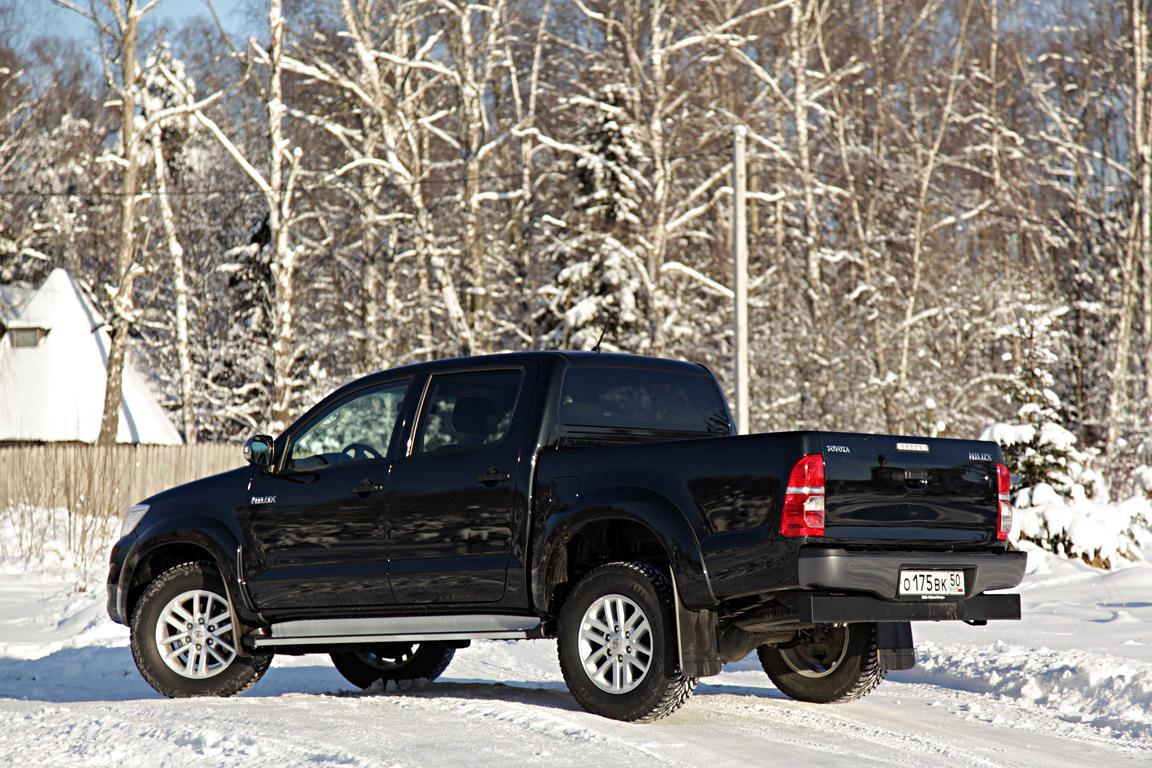 Toyota Hilux: многостаночник